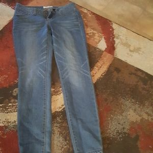 Amazing fit jeans size 7 and cute sm summer top